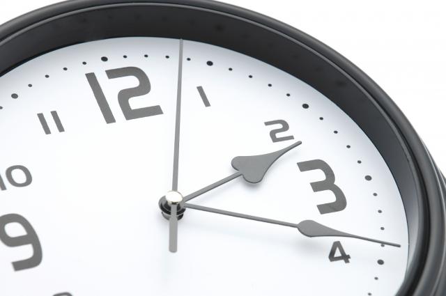 FXで使う手法は時間帯別で使い分けるべき?